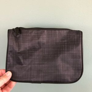 THIRTY-ONE cosmetic bag gray print pink lining